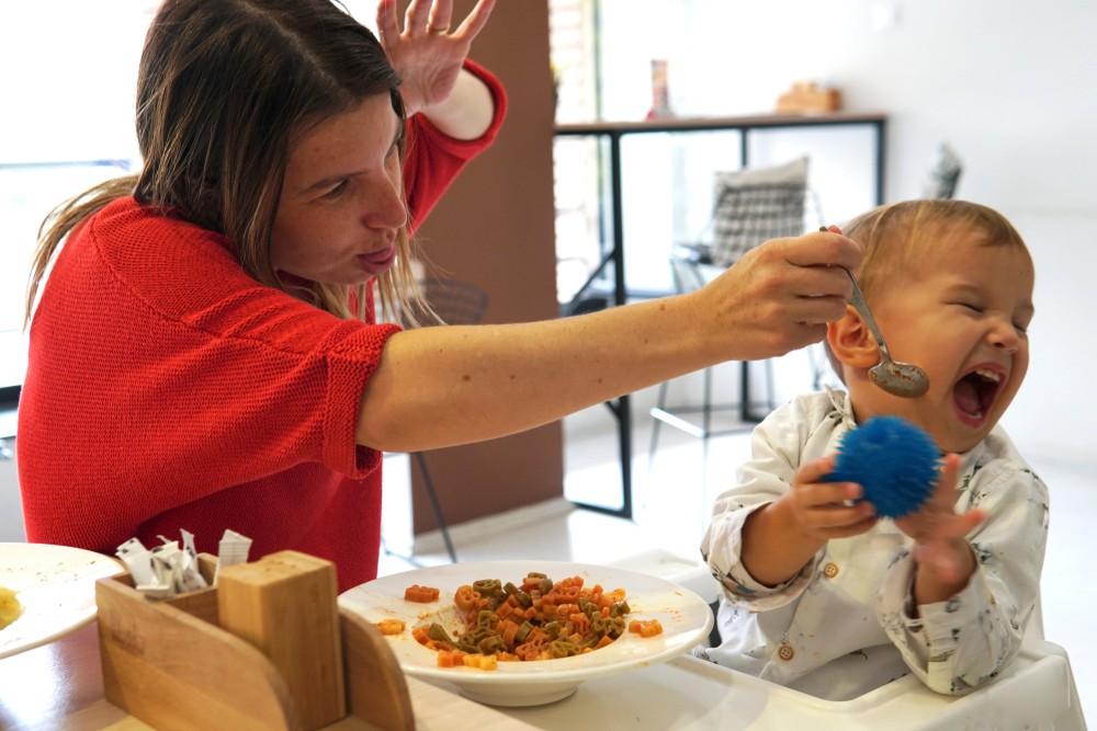 metode nerecomandate de hranire a copilului