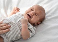 bebe colici plange mult