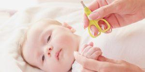 taiem corect unghiile bebelusului