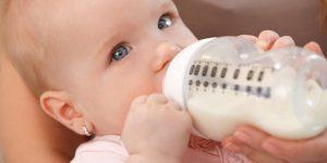 Laptele de vaca versus laptele praf