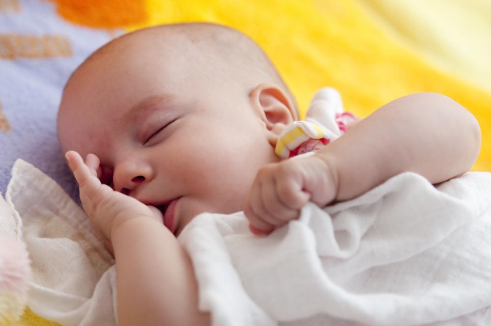 cum scapam de suptul degetului la bebelusi