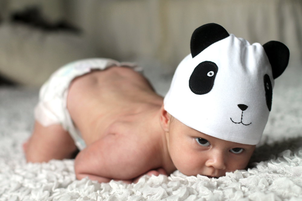 statul pe burta la bebelusi