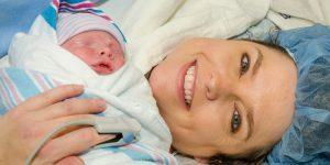 Nasterea naturala - Beneficii pentru bebelus si mama