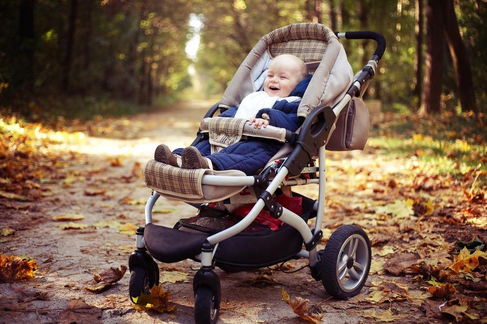 plimbare cu bebe cand se raceste afara