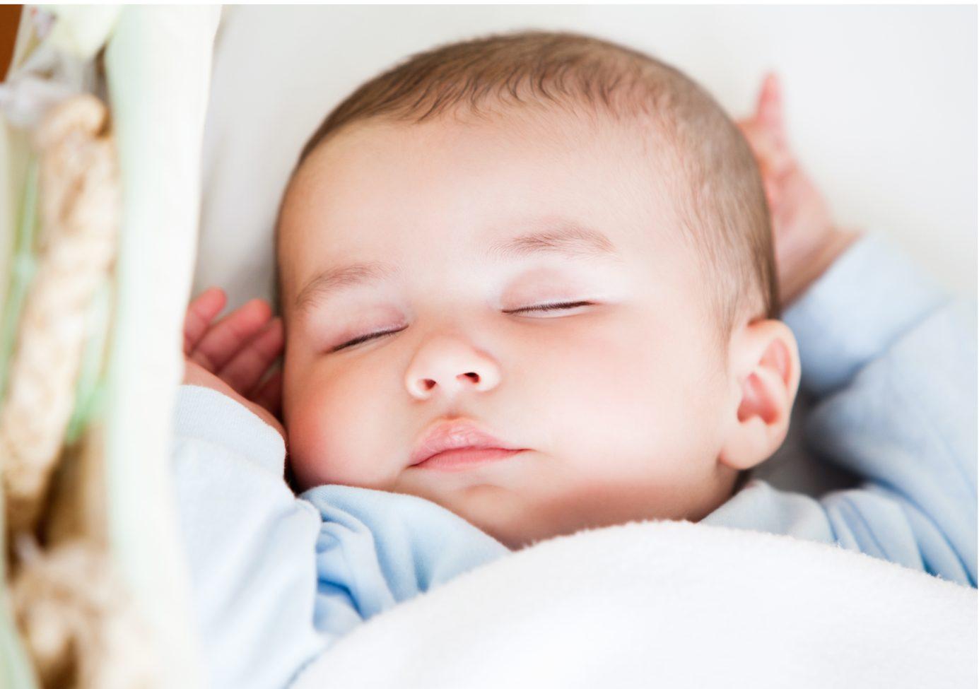Muzica lui Mozart NU îl face pe bebe mai inteligent