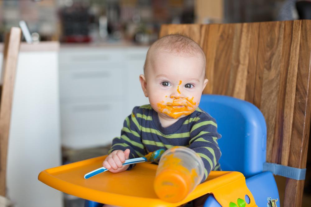 Bebe NU papă legume și fructe