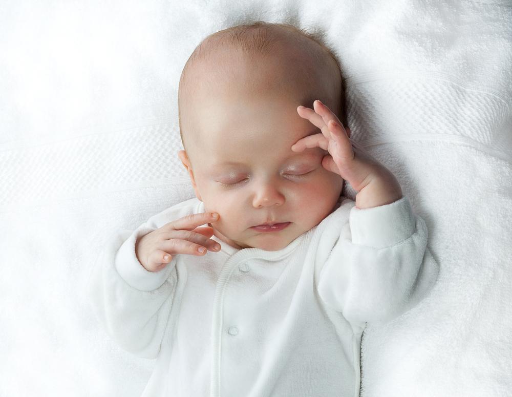 Cand poti sa il scoti pe bebe la prima plimbare in functie de anotimp