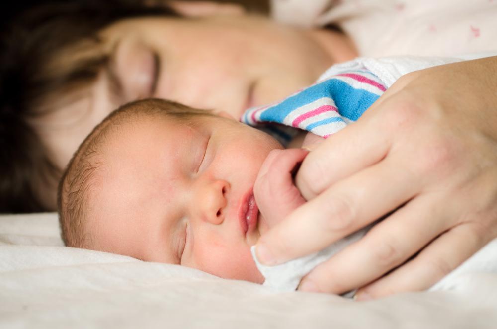 Motive pentru care ador sa dorm cu copilul meu