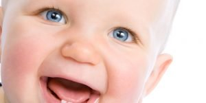 dinti de lapte la bebelusi