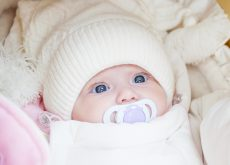 cu ce imbracam bebelusul iarna la plimbare