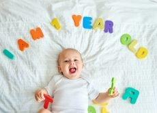 bebe 1 an aniversare dezvoltare
