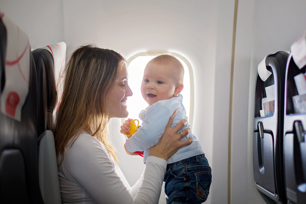zbor bebe avion