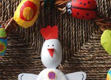 4-decoratiuni-de-paste-realizate-din-lingurite-de-plastic.jpg