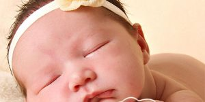 bebelusul-la-17-saptamani-daca-momentul-meselor-este-unul-dificil-nici-somnul-nu-face-exceptie.jpg