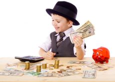 educatie-financiara-cum-ii-explici-copilului-ca-banii-nu-cresc-in-copac.jpg