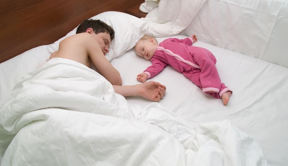 dormitul cu copilul