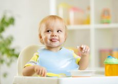 bebe refuza mancarea