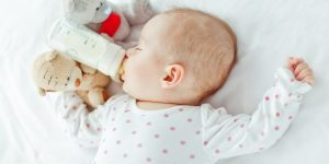 Caria de biberon la bebelusi