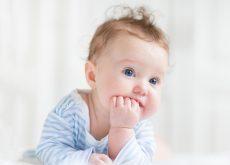Cum întreții curățenia pardoselilor când ai copil mic