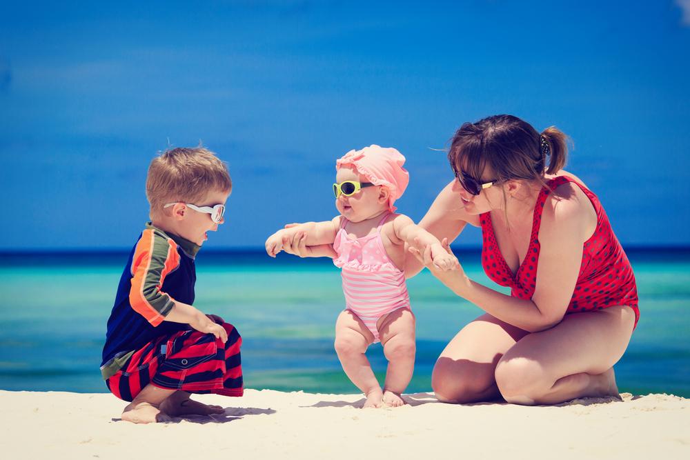 Trucuri şi măsuri de precauţie pentru o vacanță cât mai plăcută împreună cu copilulTrucuri şi măsuri de precauţie pentru o vacanță cât mai plăcută împreună cu copilulTrucuri şi măsuri de precauţie pentru o vacanță cât mai plăcută împreună cu copilul