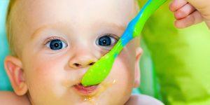 Cum învățam bebelușul să mestece