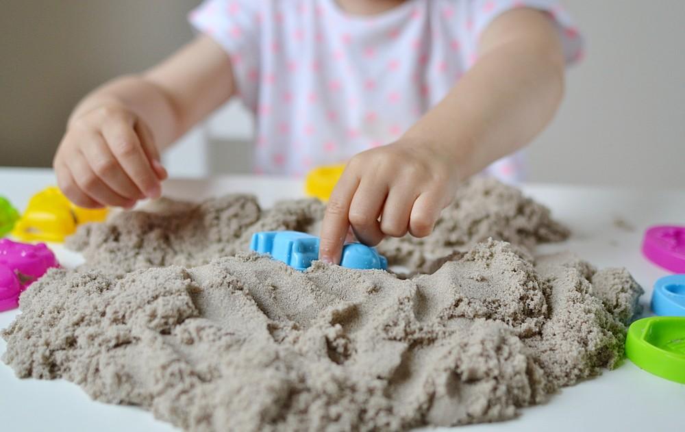 nisip kinetic copii