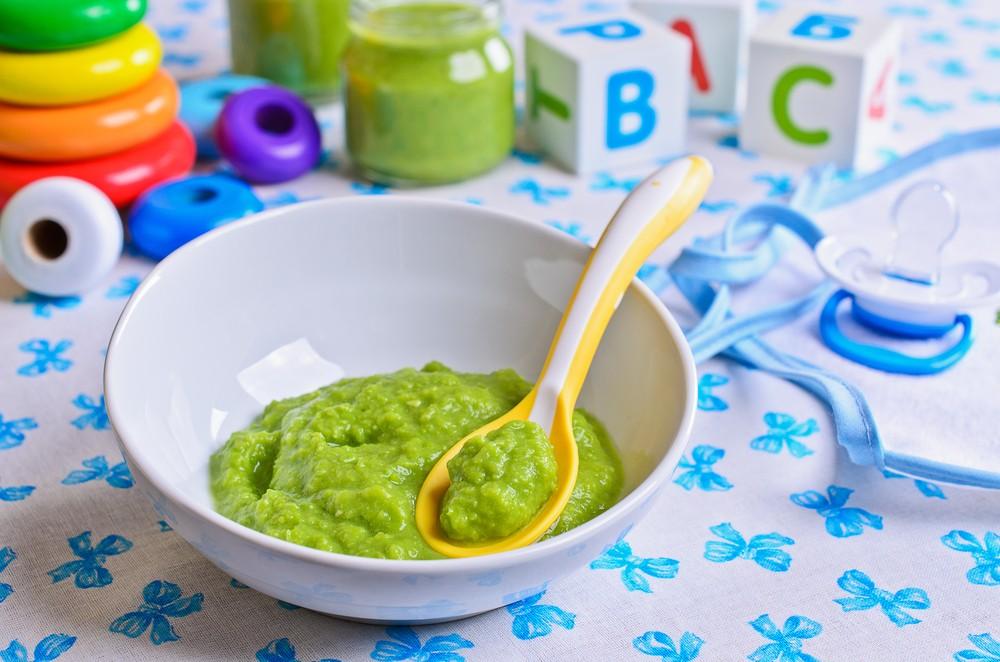 Cremă de avocado cu banană pentru bebelusi