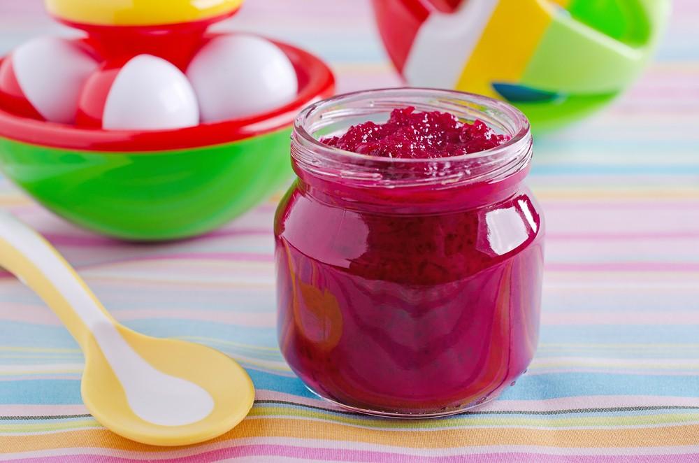 Piure de sfeclă roșie cu măr pentru bebelusi