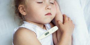 Verificarea temperaturii copilului