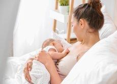mama bolnava cu coranavirus alaptare bebe