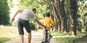 copil cu bicicleta reguli siguranta