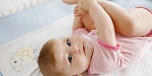 iritatie la fundulet bebelus crema