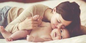 sfaturi gresite bebe si mama