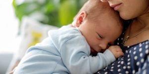 bebelusul nu doarme noaptea